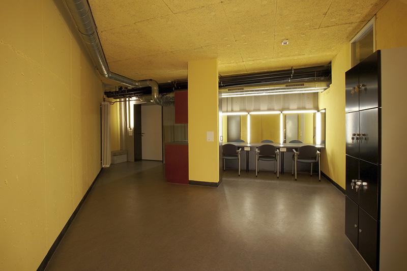101027_mm_theater_stadelhofen_bild6_garderobe