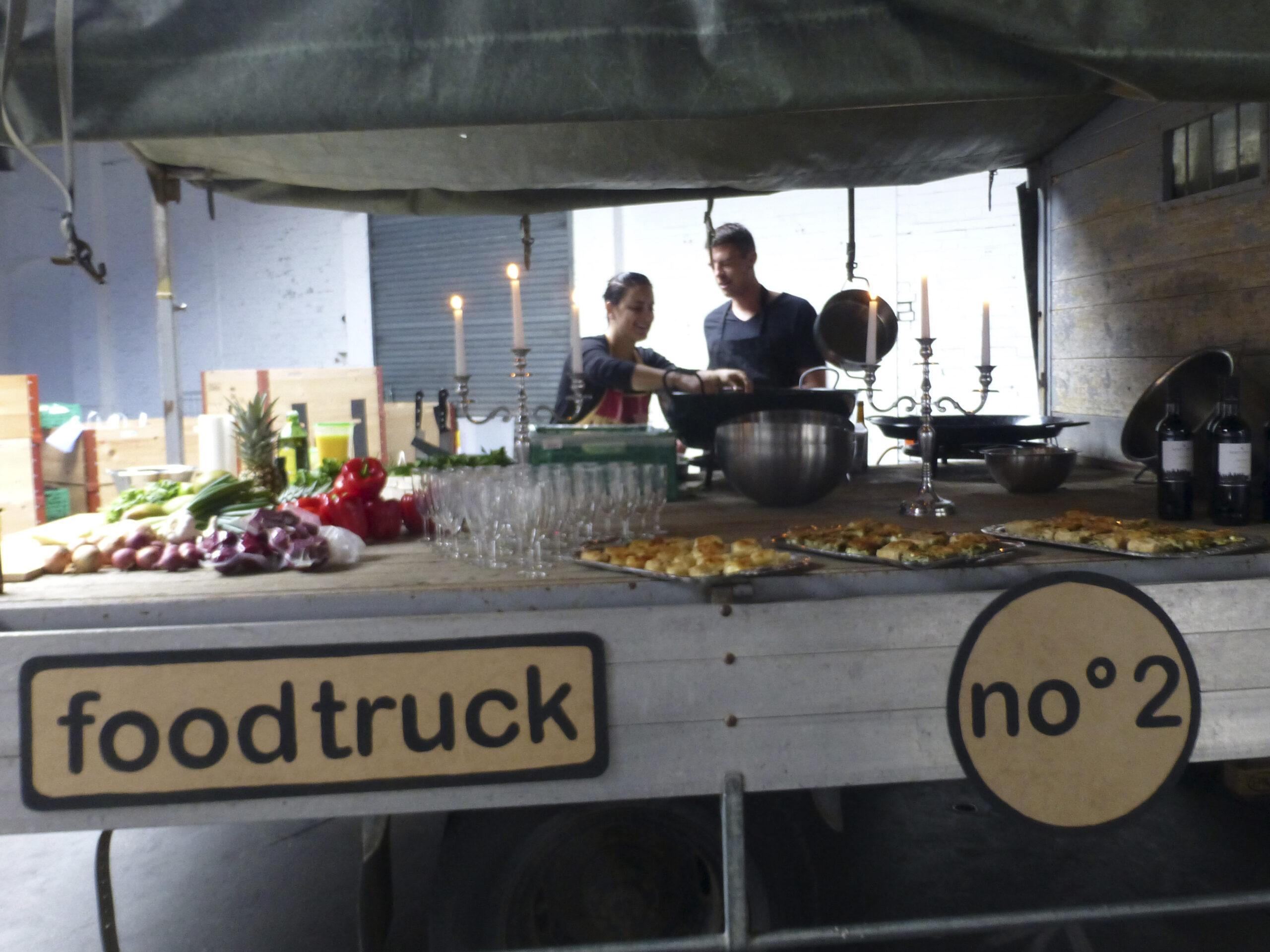 FOOD-TRUCK-NO-020005